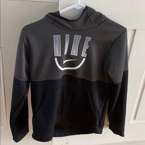 Boys Nike L sweatshirt